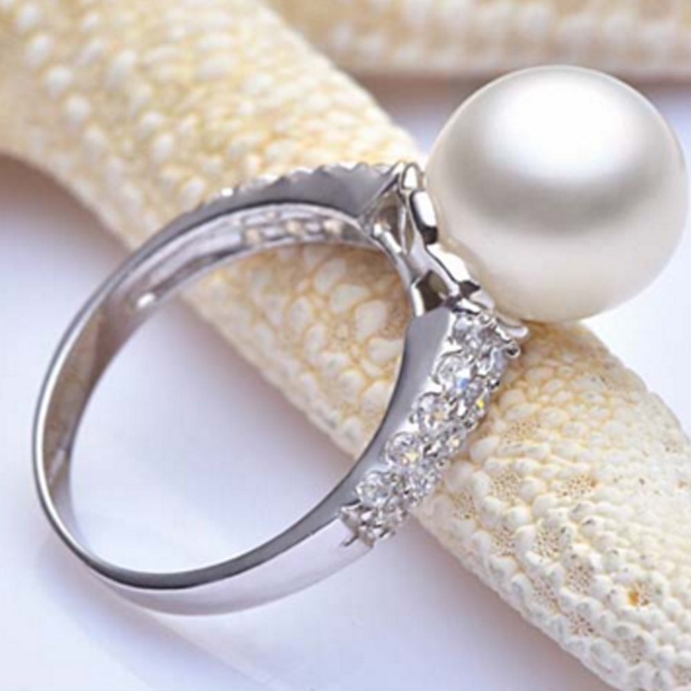 Simple Pearl Wedding Ringgs