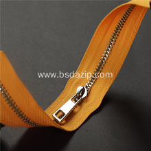 China OEM for Stainless Steel Non-Lock Slider Jacket Gold Zipper with #3 Stainless Steel Slider export to India Exporter