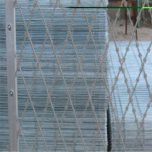 Low price razor barbed wire mesh fence