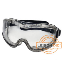 Tactical goggle filter 99.9% ultraviolet radiation and prevent chemical liquid splatter.