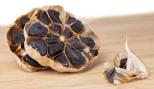 whole black garlic (64)