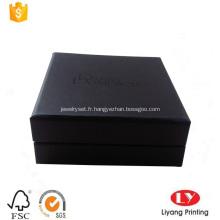 Boite en carton bijoux en bracelet noir avec mousse