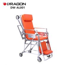 Patient DW-AL001 sur une civière d'ambulance mobile