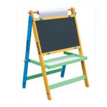 Jouets en bois à l'art avec du papier à dessin pour enfants et enfants