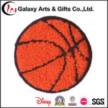 La chenilla personalizada del baloncesto borda remienda el hierro en los remiendos para la ropa