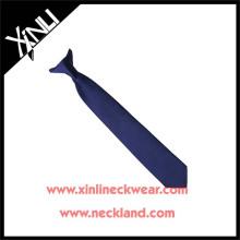 Trockenreinigung Nur Polyester Jacquard Woven Clip auf Krawatte mit Knoten bereit