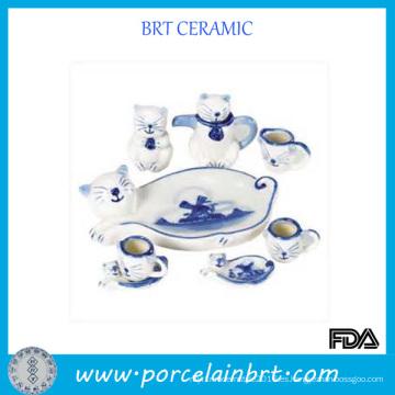 Juego de té de porcelana con patrón de gato