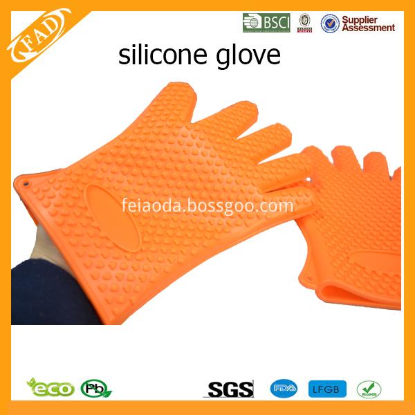 LA-Pv-gloves