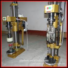 Máquina tampadora semi-automática para tampas de alumínio