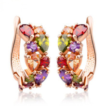 Boucles d'oreilles uniques en plaqué or multicolore