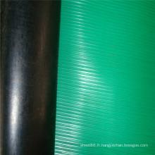 Feuille en caoutchouc antidérapante nervurée noire arrière de surface verte