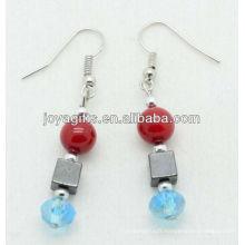 Vente en gros de corail rouge avec boucle d'oreille en cristal bleu