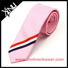 Nouvelle cravate en soie rayée noire et blanche