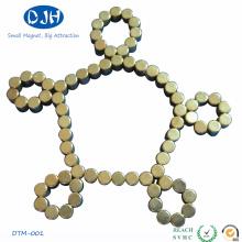 Oro-Revestir el imán apto de las pulseras para el juguete (DTM-001)