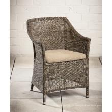 Patio jardin osier meubles extérieurs de rotin dinant la chaise de bras