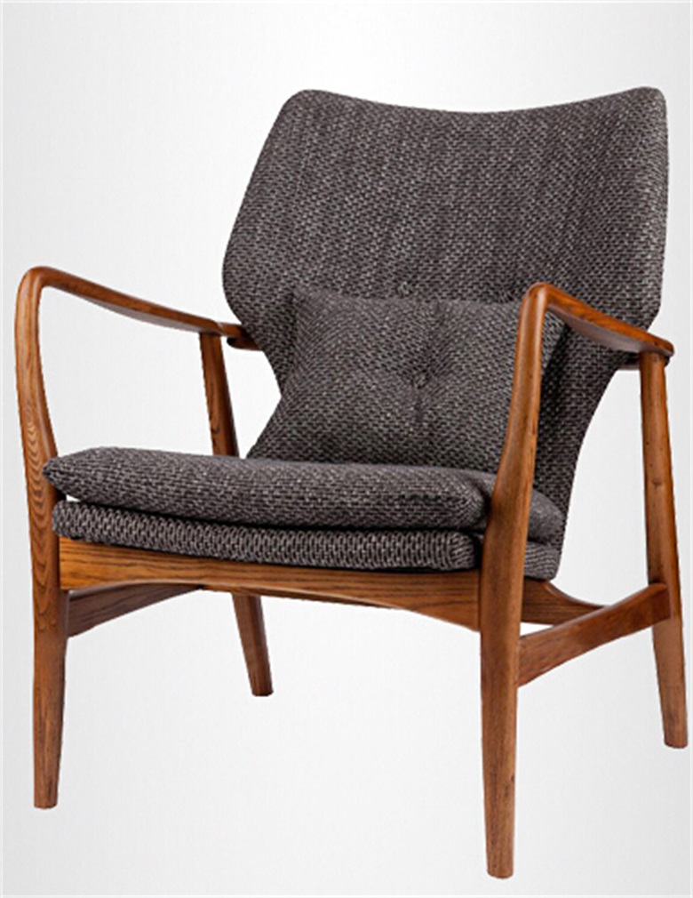 Solid wood frame lounge chair