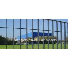 Оцинкованный защитный решетчатый забор