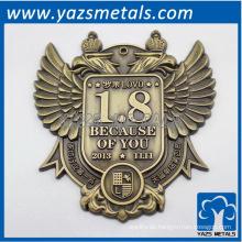 Passen Sie antike Metall-Aword-Etikett an