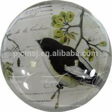 bola de cristal retro con decoración del hogar o recuerdos