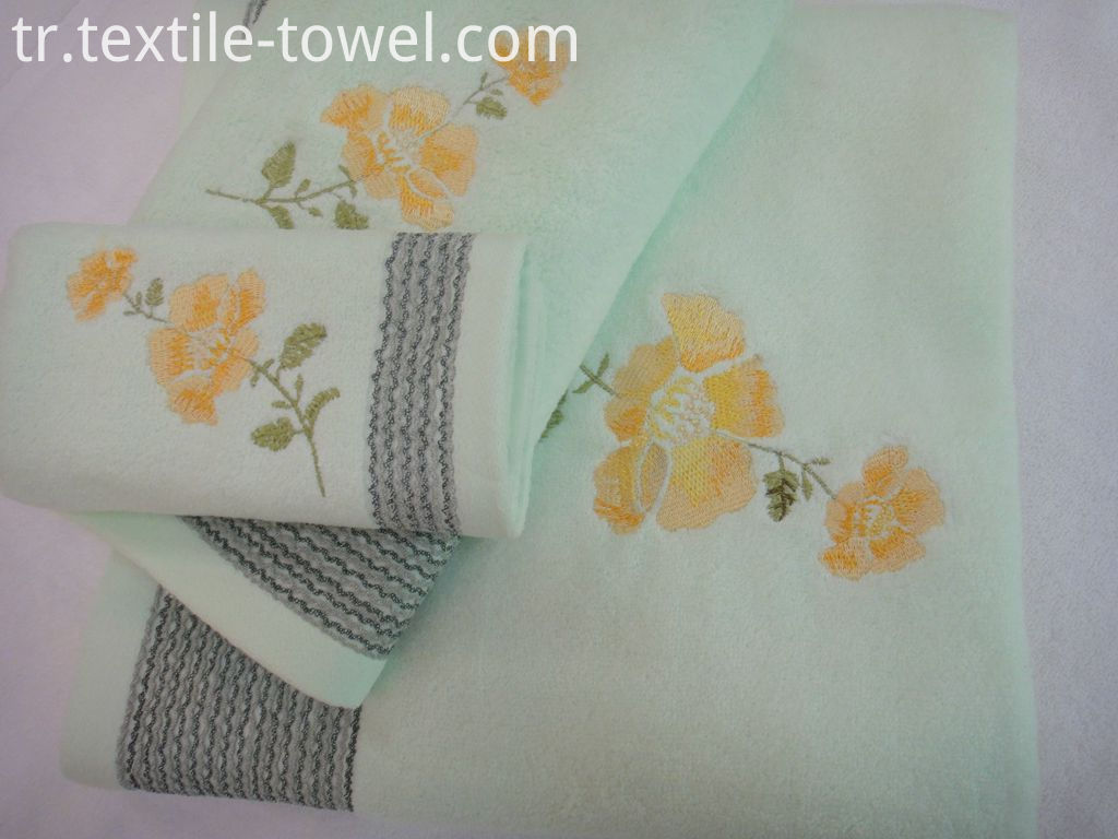 Flower Embroidered Bath Towel