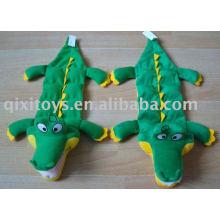 brinquedo de crocodilo de pelúcia e recheado