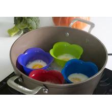 Новый дизайн от Китай Профессиональный производитель Продовольственная класса Non-stick жароустойчивый 4 Упакованные силиконовые яйцо Пароход / Яйцо Браконьер