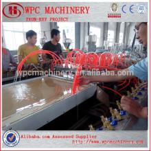 Machine de fabrication de panneaux de porte Poudre de bois ajouter PVC en poudre Machine de fabrication de panneaux de portes WPC