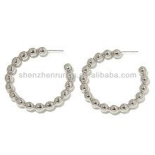 Venta al por mayor especial de acero moldeado pendientes aro diseño de la joyería de moda de China