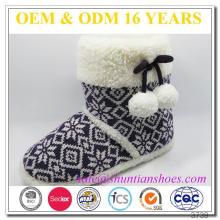 Últimas moda bonitos tricotados chinelos de quarto botas para meninas Mulheres