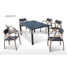 Chaise et table en polywood en plein air style nouveau temps