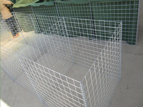 2-6-hesco-barrier_02