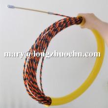 Extrator de cabo com tubo de proteção