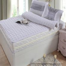 Hotel colchão Pad feito de tecido de algodão com enchimento de fibra (DPF10155)