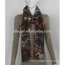 Lightweight Wool Flower Print Scarf