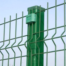 white wire mesh fence panel
