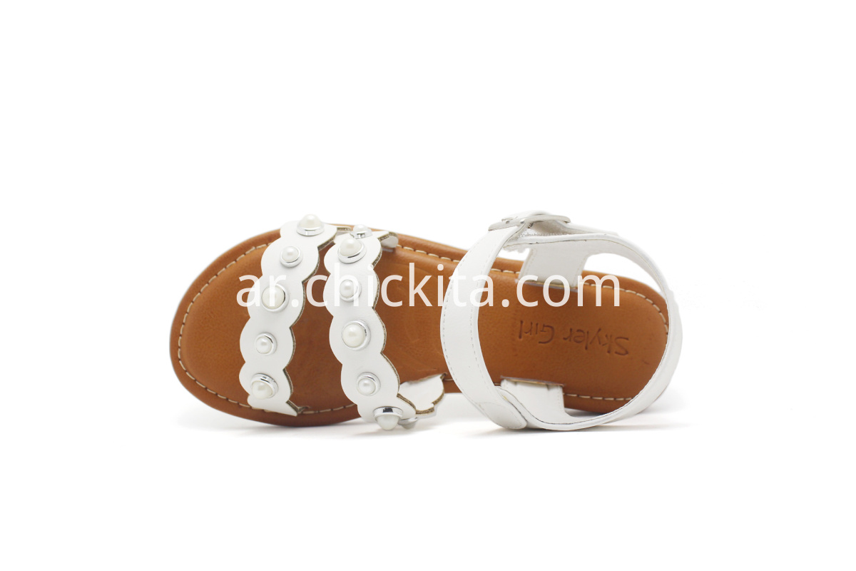 Children Flat Fashion Sandals With shining white pearls decorated