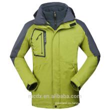 Los nuevos hombres impermeabilizan la chaqueta impermeable 3in1 suave de la snowboard del esquí del paño grueso y suave de Shell