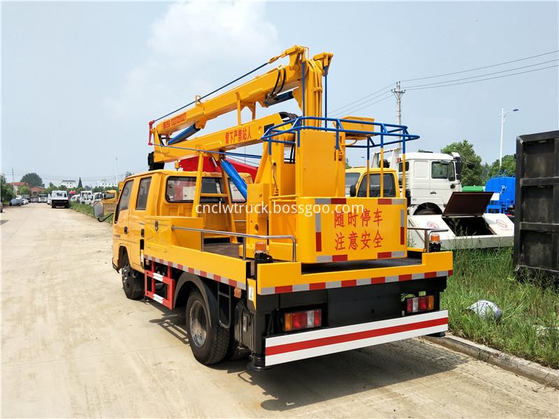 overhead working truck 3