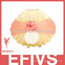 2013 Elegant Golden Shell Wedding Favor Box made in China
