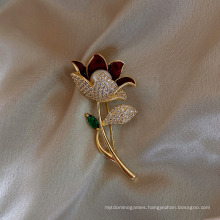 Superstarer Ready to Ship Lovely Diamond Petals Pearl Brooch