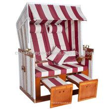 silla de playa de mimbre techada