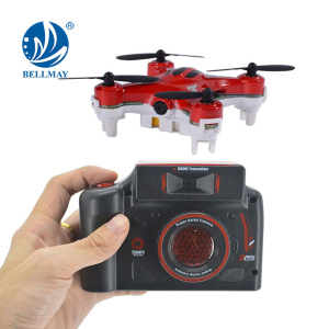 2.4 GHz 4 Channel 6 Axis Gyroscope Mini Drone Headless & One Key Return with 360 Degree Rolling Mini RC Helicopter