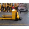 Elektrischer Gabelhubwagen mit Plattform-elektrischen Paletten-Buchsen CER und ISO-Zertifikat