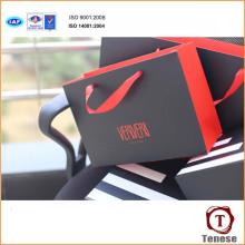 Bolso de empaquetado del nuevo regalo de papel de la manera con la manija