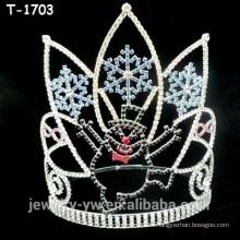 Coronas de cristal del desfile de la Navidad al por mayor con el muñeco de nieve y el copo de nieve