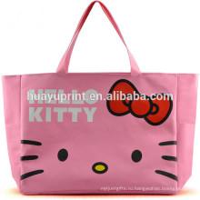 Хозяйственная сумка и ковер и многоразовые сумки для покупок