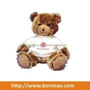 Βελούδινα αρκούδα παιχνίδια σε T-shirt