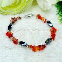 Nouvelle arrivée Natural Red Carnelian chip avec Magnetic 4 côté twist perles stretch bracelet bracelet en pierres précieuses à la main