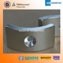 Ímã industrial do Neodymium magnetizado N52 axial para a venda