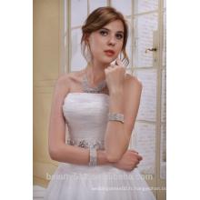 A-Line bretelles longues traînées avec une robe de mariée en perles bordées AS01202